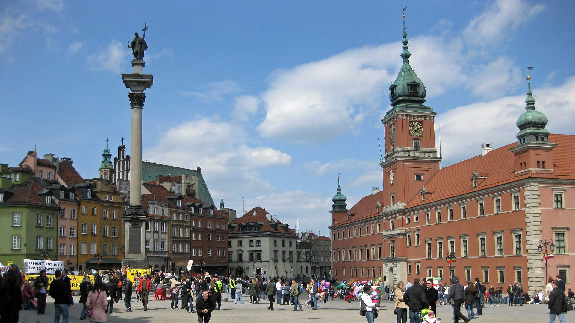 Warsaw-old-town-2