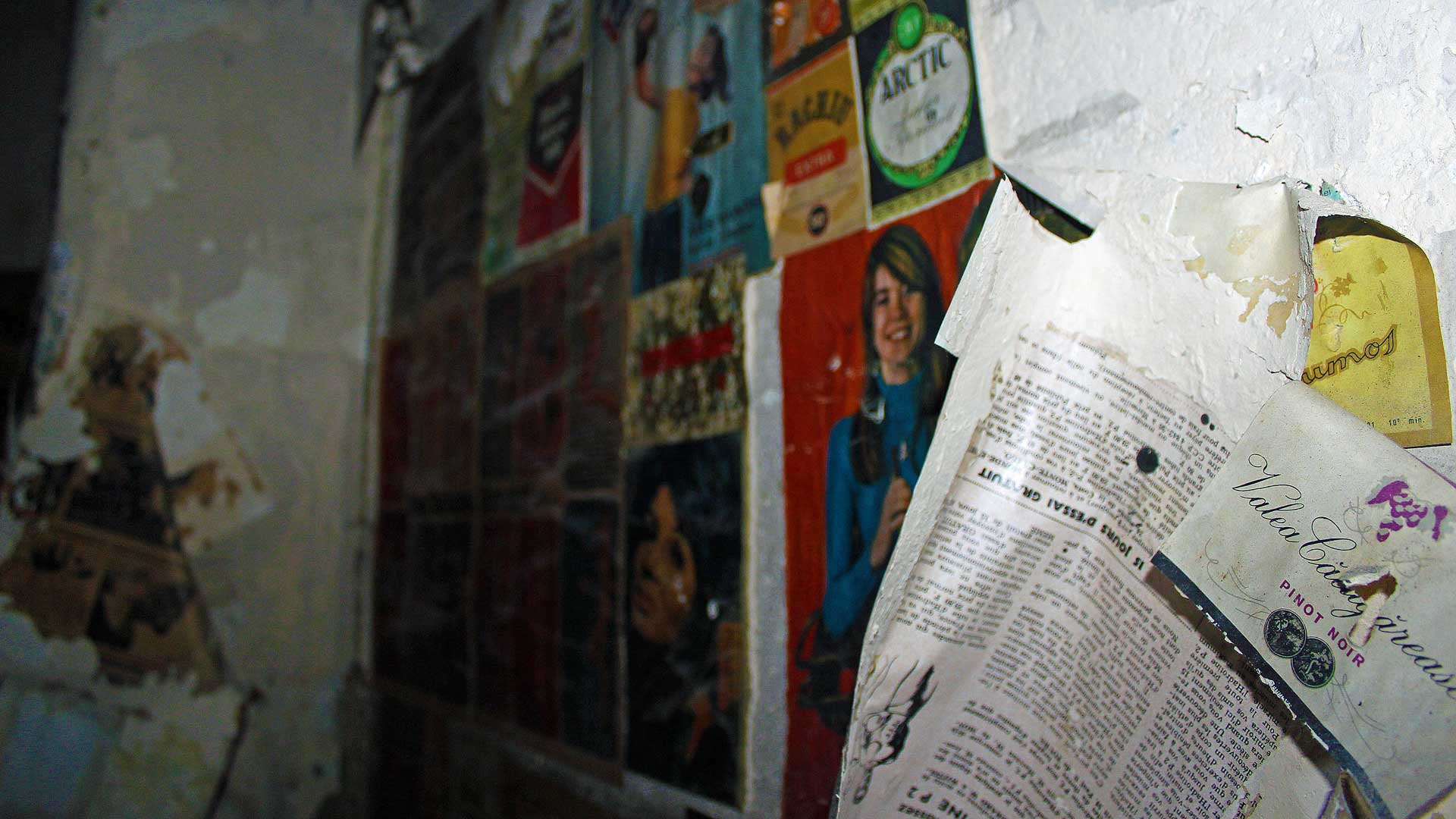 abandoned-regime-newspaper-bucharest-11