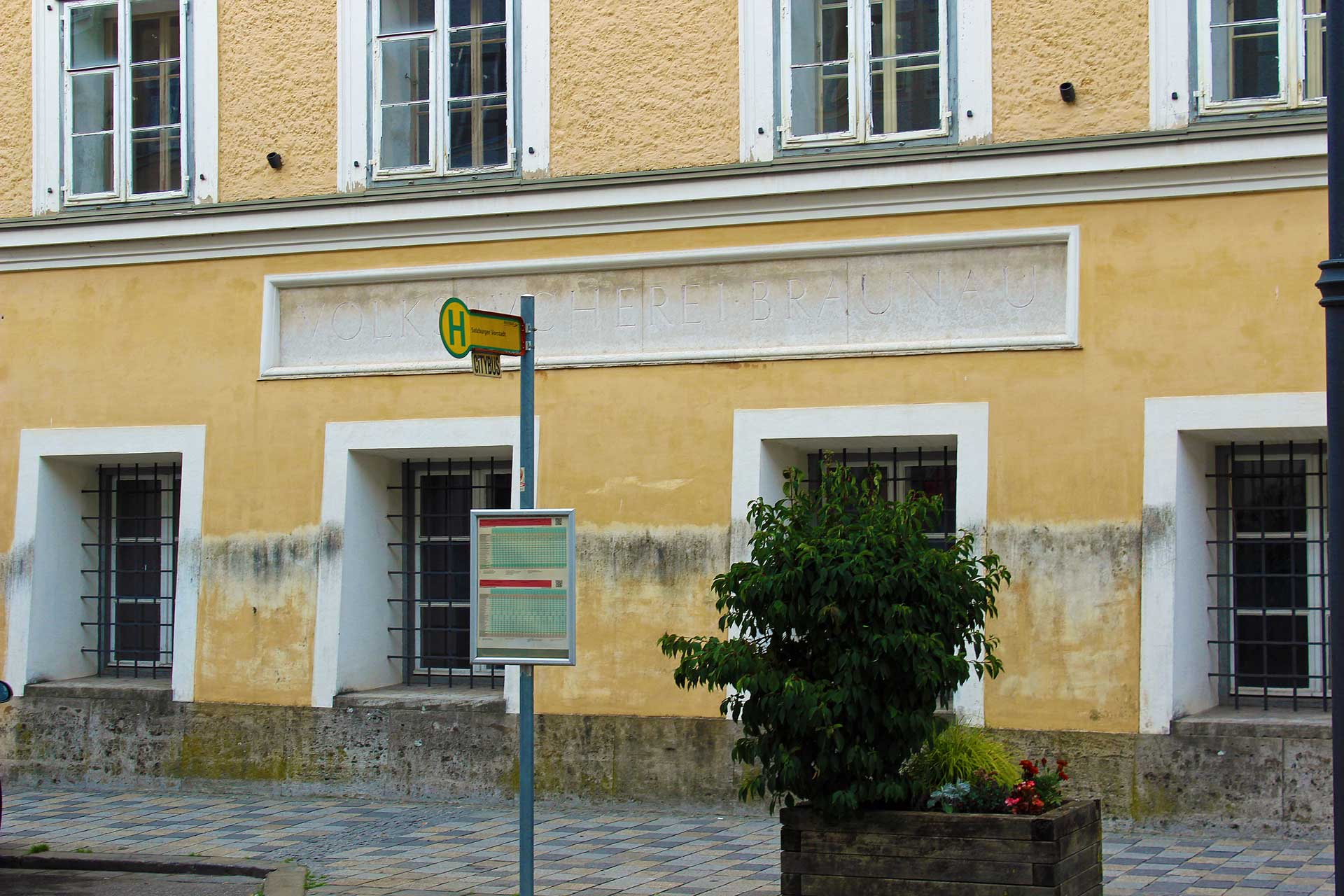 adolf-hitlers-birth-house-4