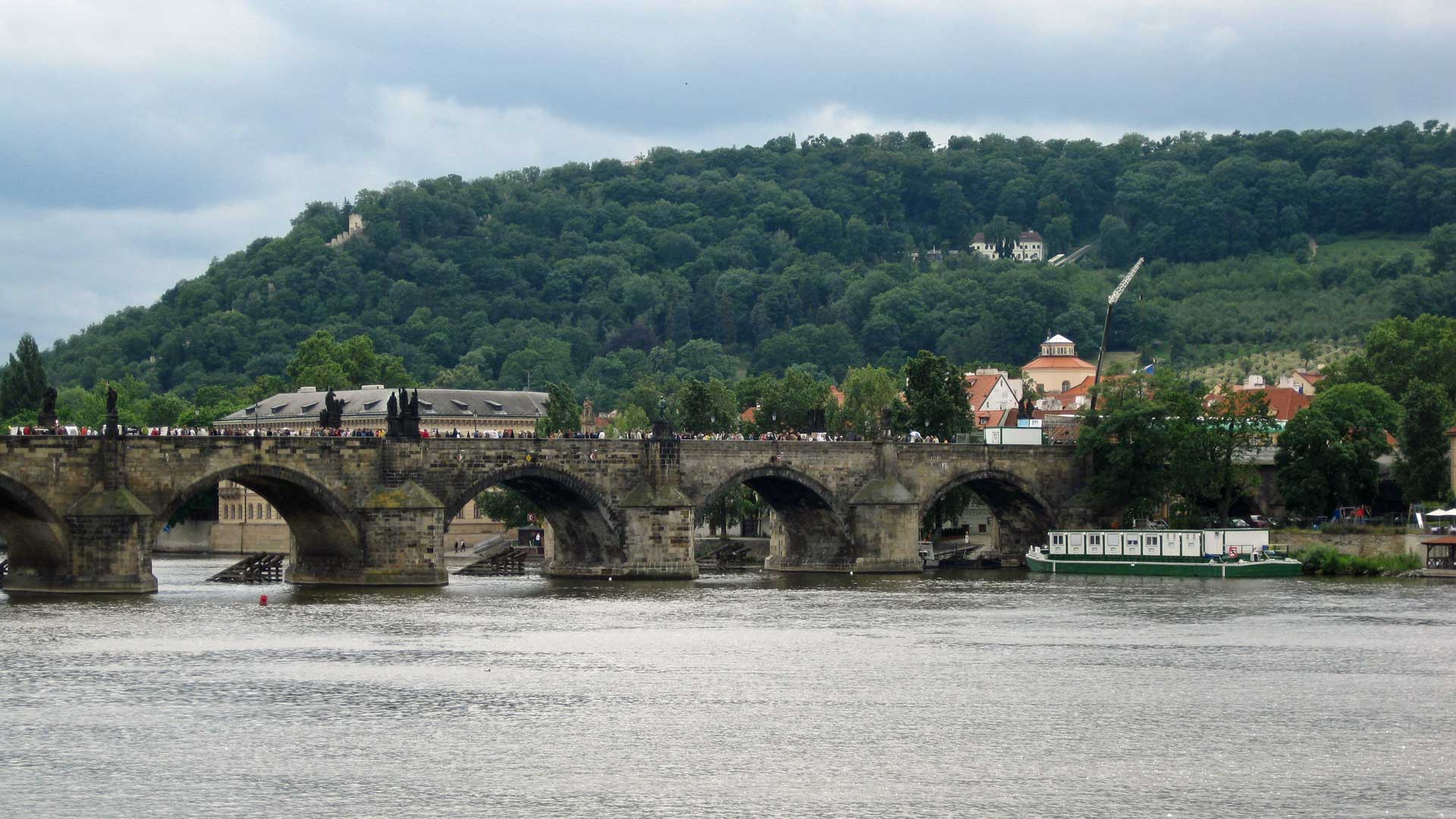 charles-bridge-prague-3