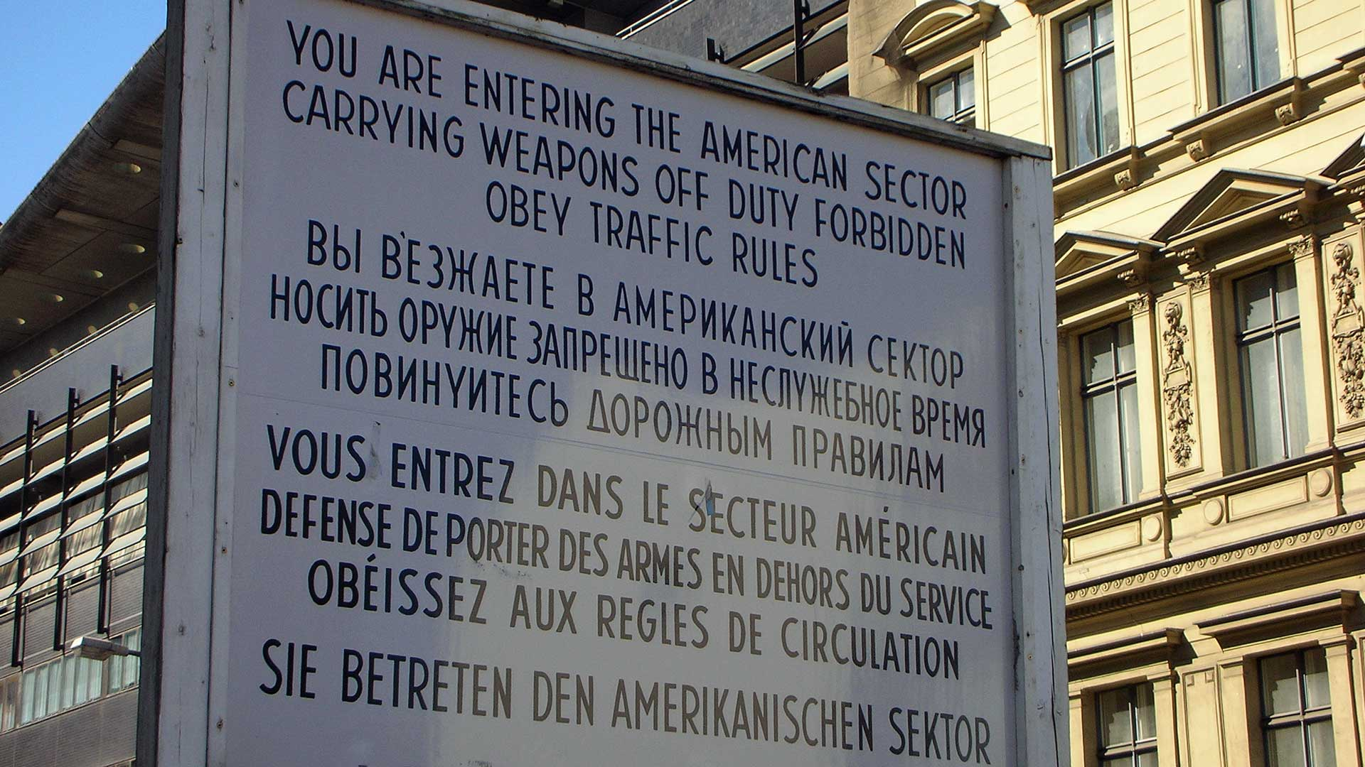 checkpoint-charlie-berlin-3