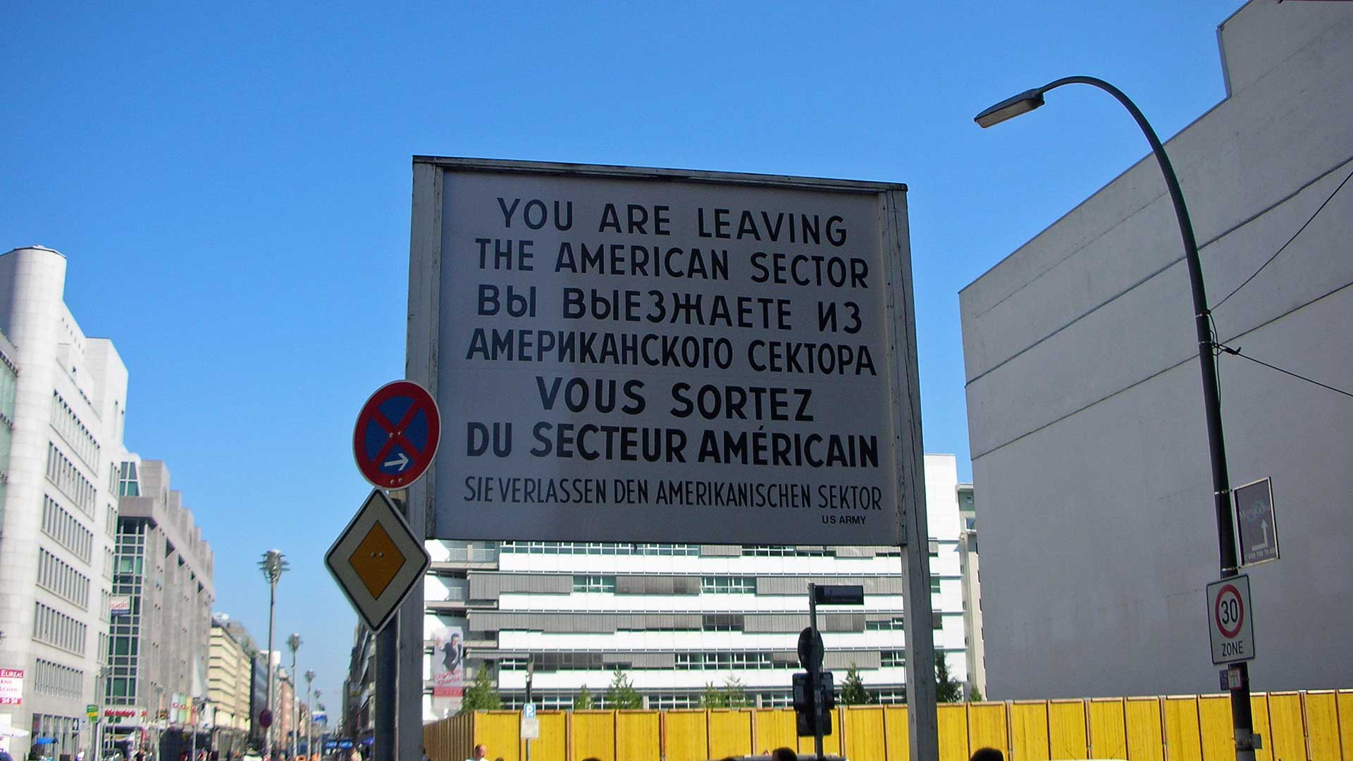 checkpoint-charlie-berlin-6