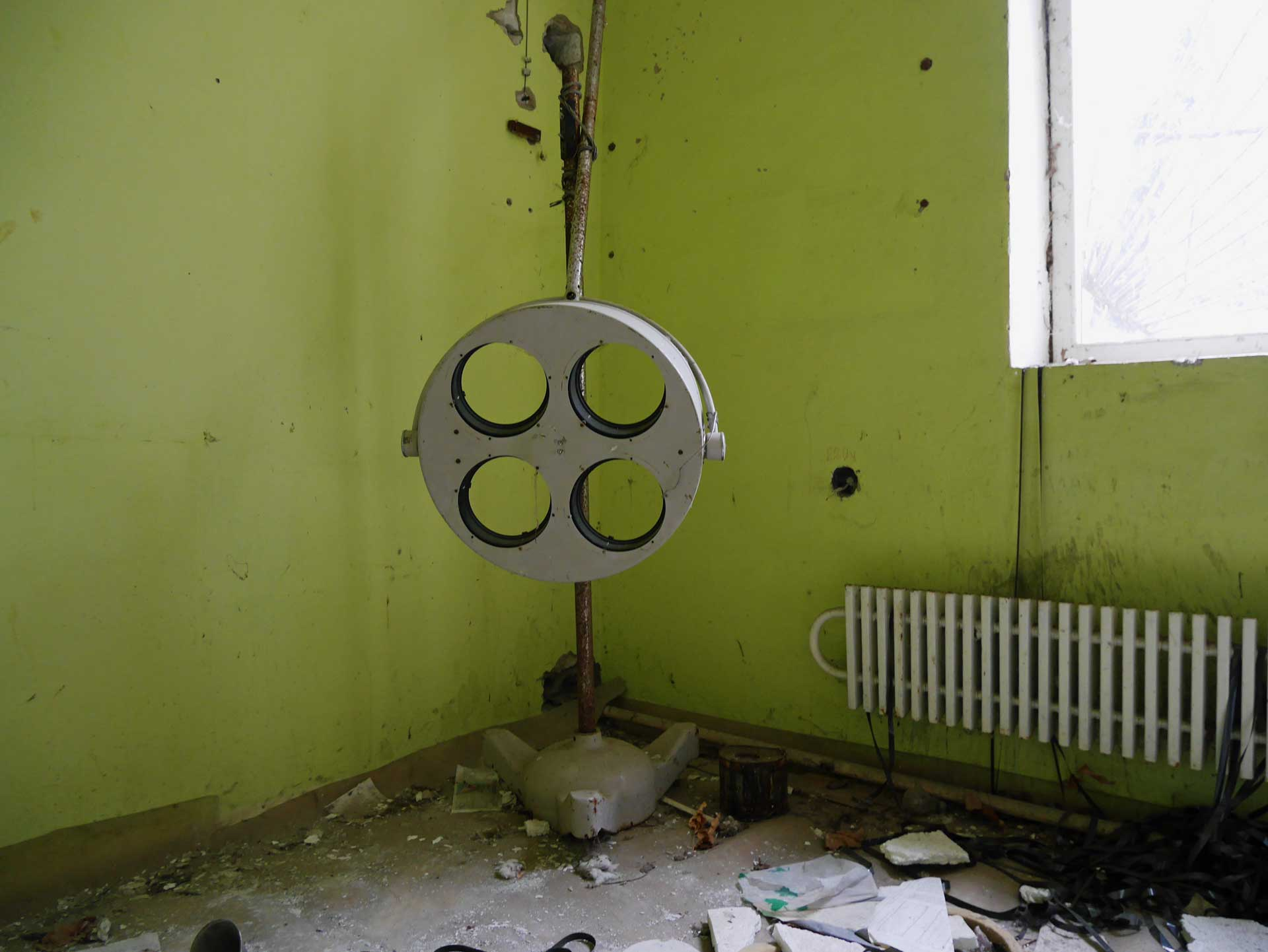 chernobyl-abandoned-research-laboratory-16