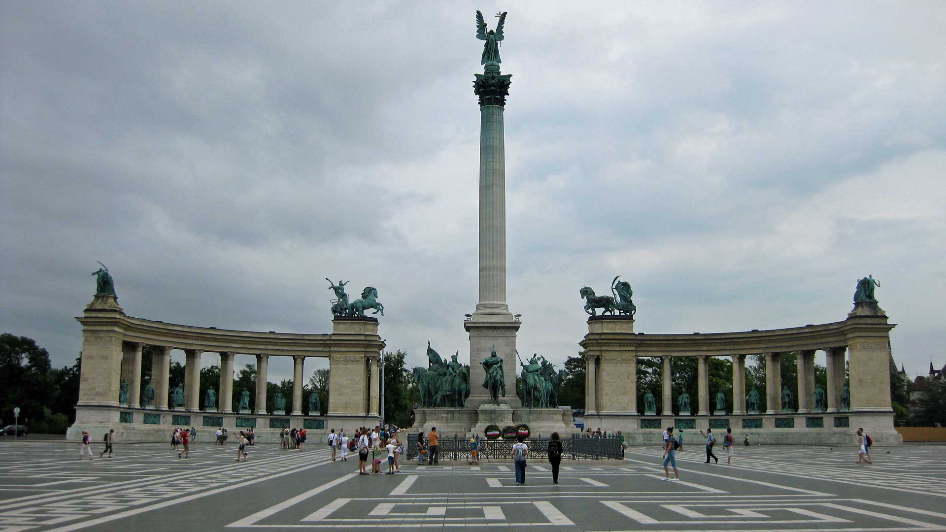 heroes-square-budapest-2