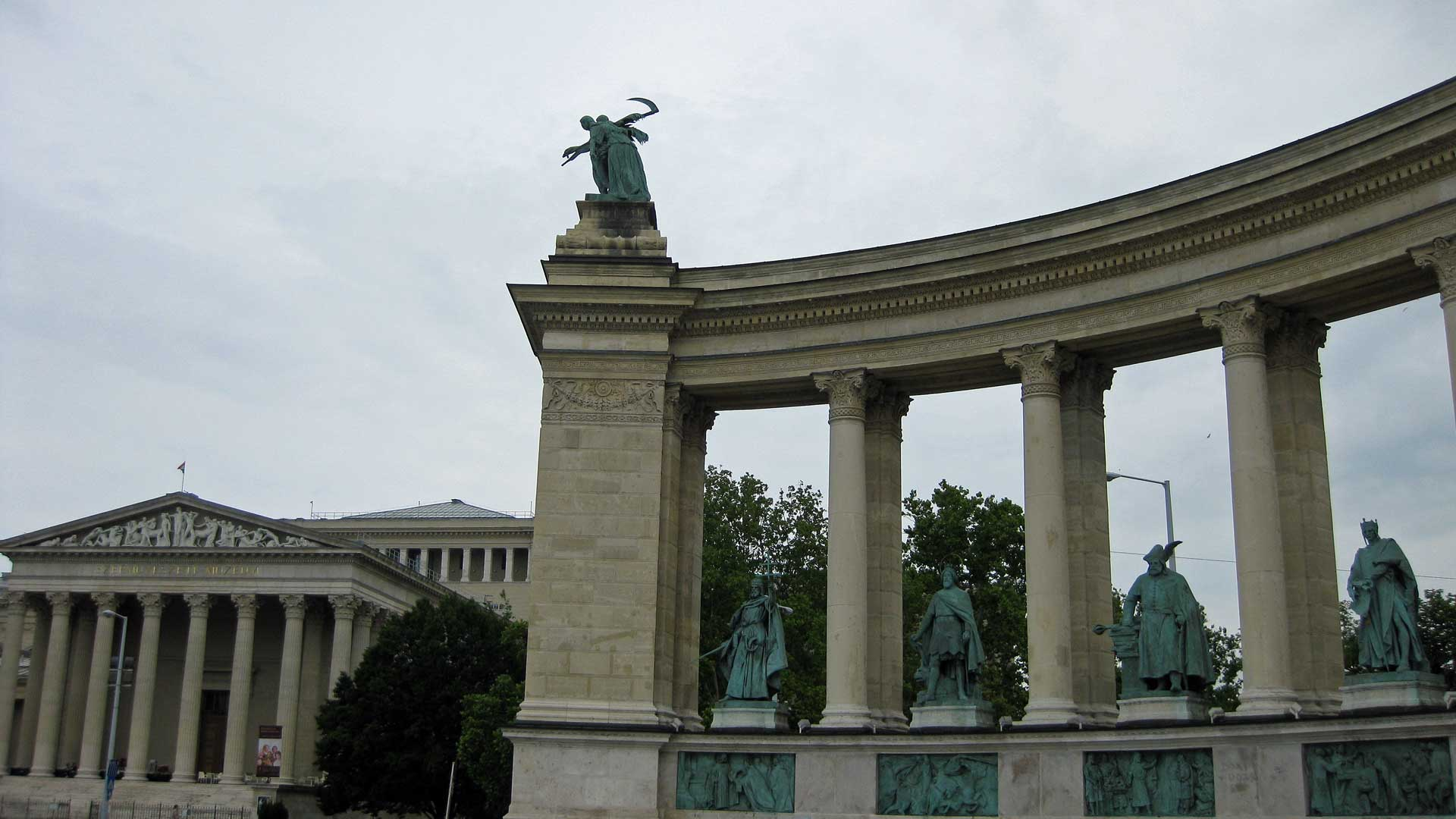 heroes-square-budapest-4
