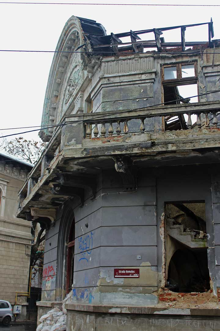 bucharest-decay-abandoned-2