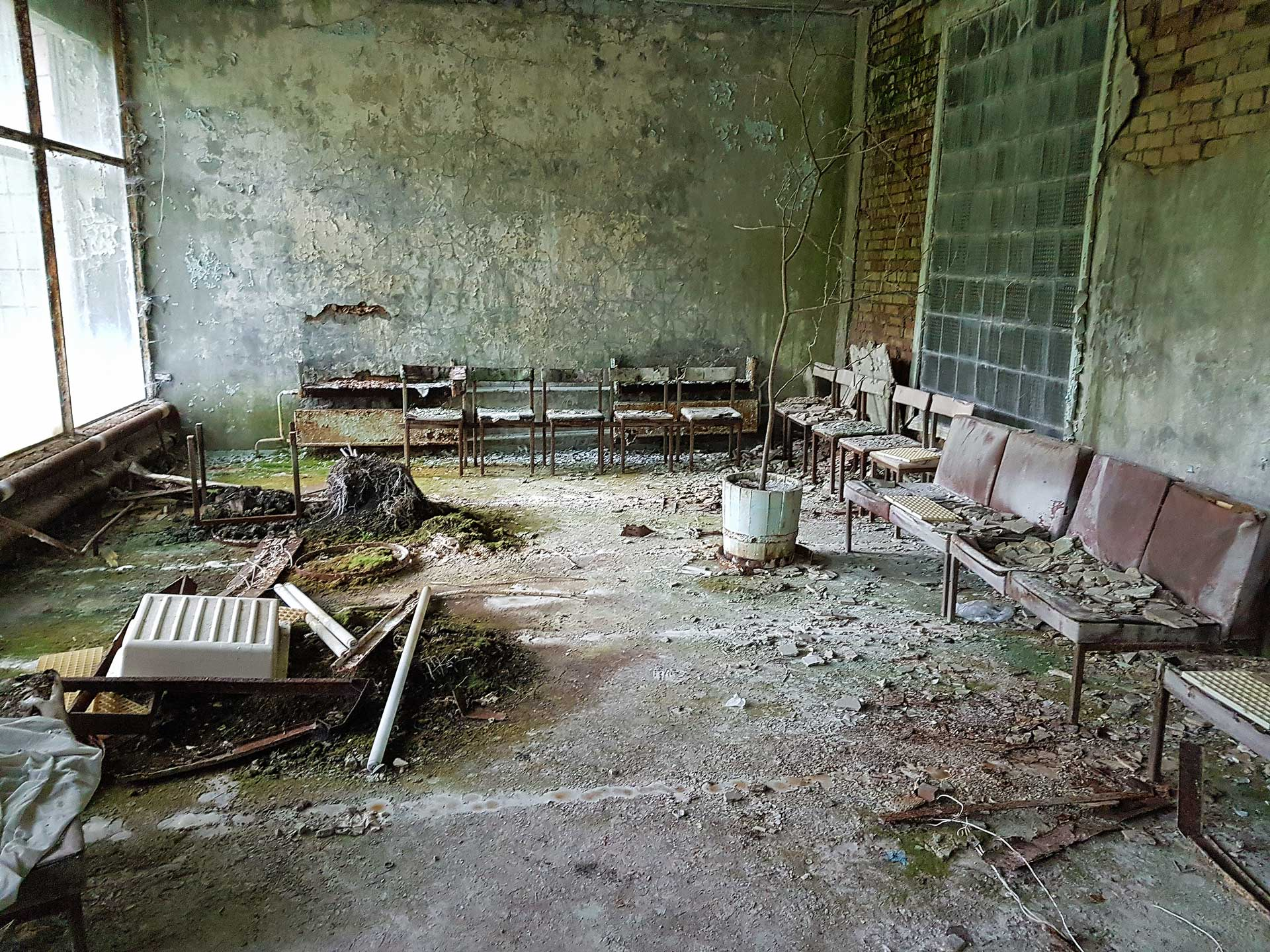 Palace-of-Culture-Pripyat-Energetic-11