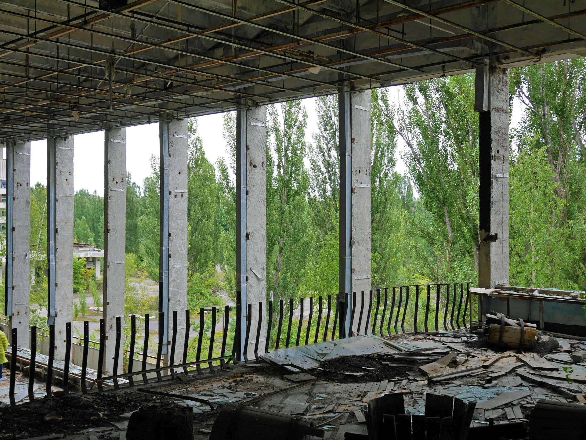 Palace-of-Culture-Pripyat-Energetic-5