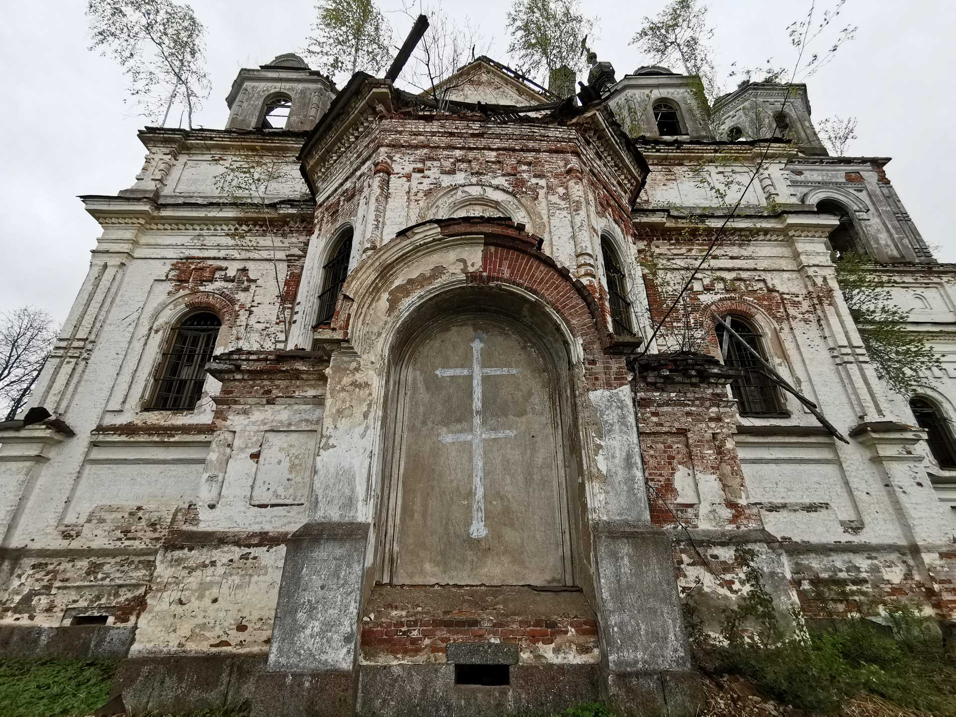 abandoned-church-St-Nicholas-the-Wonderworker-1